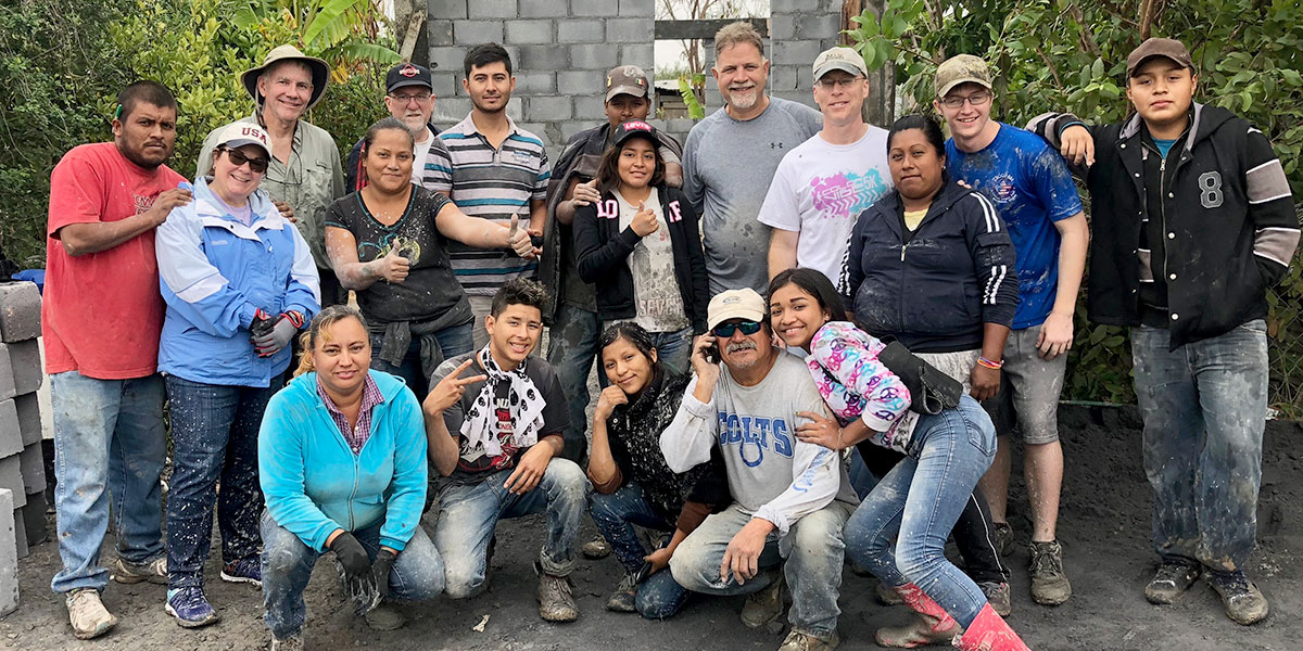 Friends from Reynosa and Virginia working together to build a house