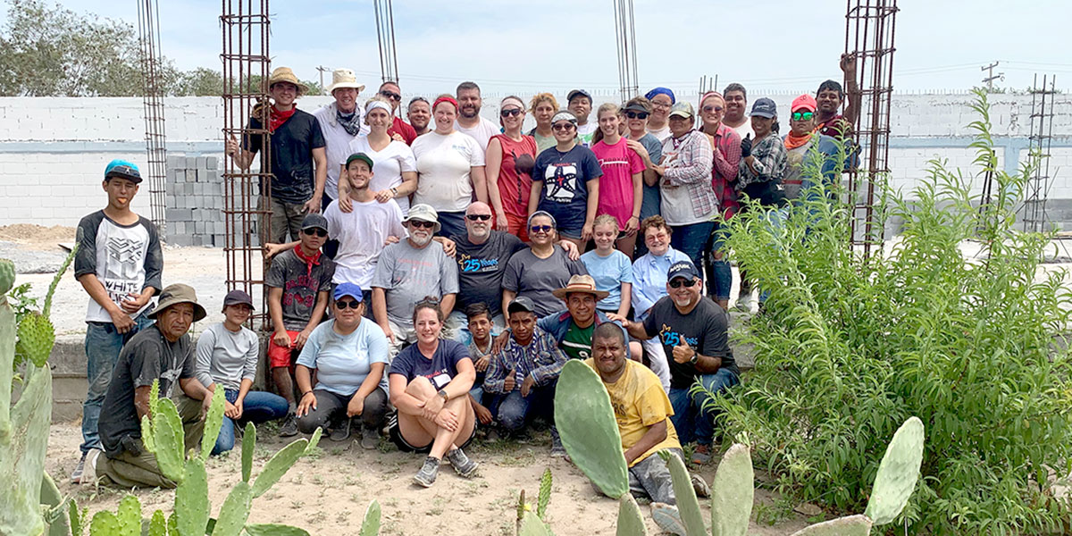 A team from Alabama Arizona and Texas with the staff and volunteers at the Deantin community center in Naranjito