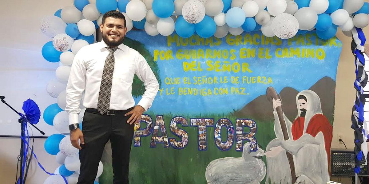 Pastor Carlos on Dia del Pastor