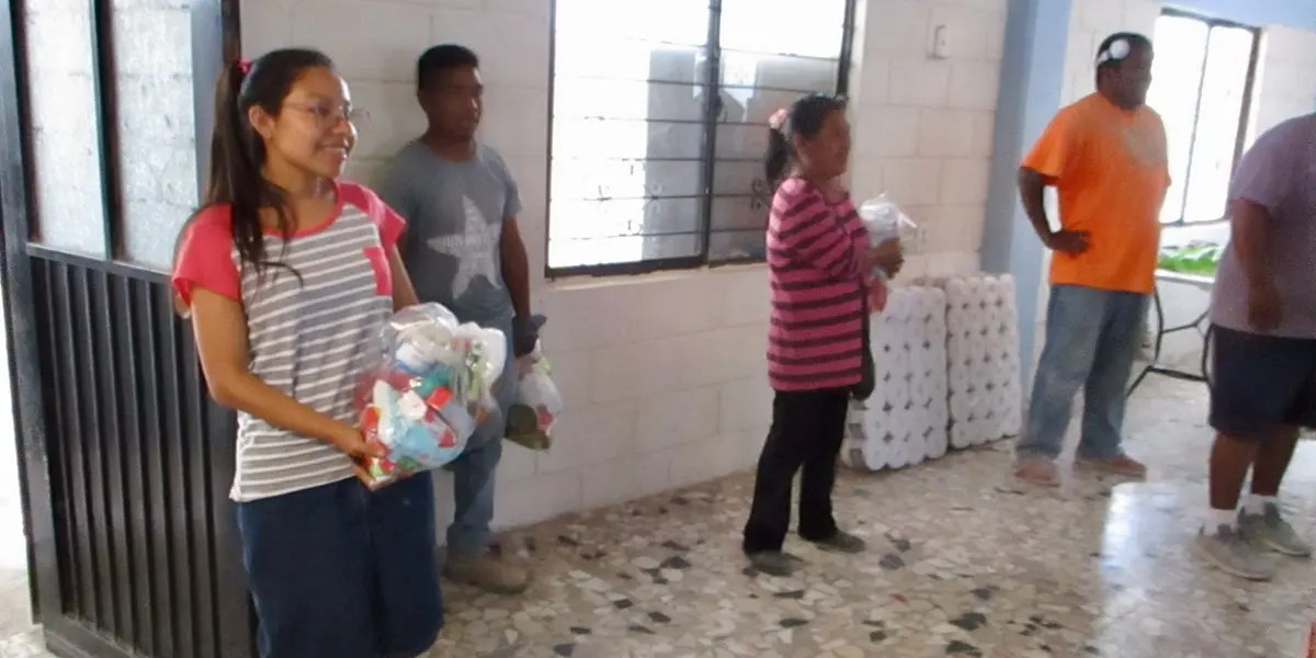Giving out hygiene kits to our staff and volunteers in Reynosa