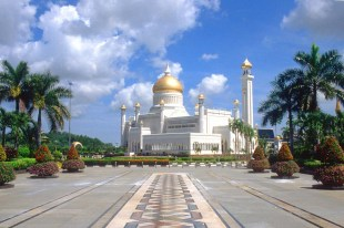 Omar Ali Saifuddin Mosque-Brunei (2)