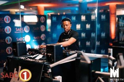 Dj Stokie – ExclusiveTV Kasi Hero Mix