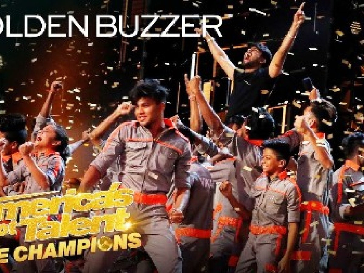 Download Video Golden Buzzer Howie Mandel Sends V Unbeatable To