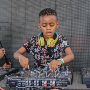 DJ Arch Jnr Amapiano Quarantine Live Mix 2020 Mp3 Download