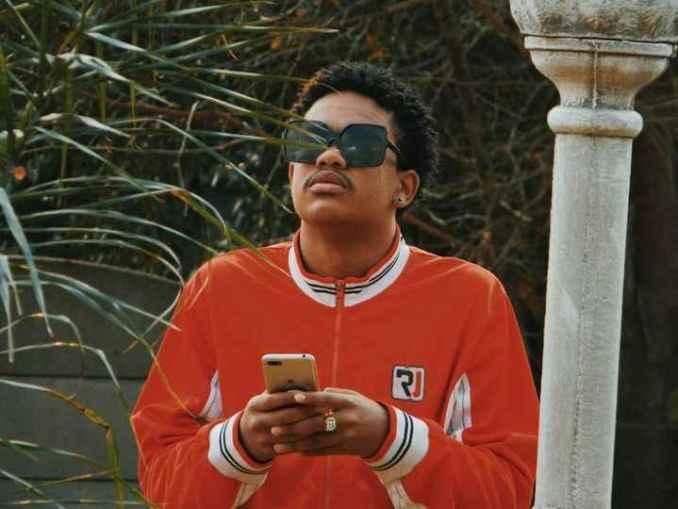 MFR Souls , Kamo mphela & Bontle Smith Amanikiniki Mp3 Download Fakaza