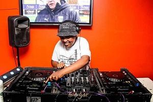 UBiza Wethu Radio Zibonele Fm Mix 2021 Mp3 Fakaza Music Download
