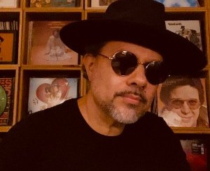 ALBUM: Louie Vega – I Hear Music In The Streets Top 10