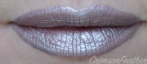 Lime-Crime-Metallic-Velvetine-Swatch-Seashell-Bra