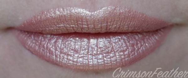 Lime-Crime-Metallic-Velvetines-Swatch-Blonde