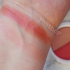 I-Heart-Revolution-Pink-Frosting-Blusher-Swatch