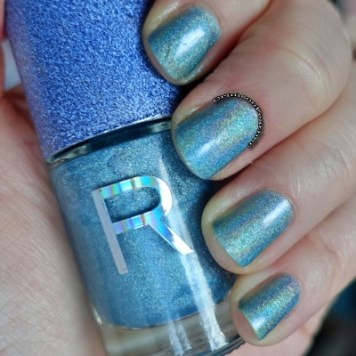 Revolution-Nails-Holographic-Polish-Spectrum-Two-Layers-Swatch
