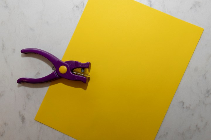 Yellow paper for center
