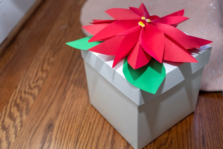 Paper Poinsettia Tutorial for Holiday Gift Wrapping
