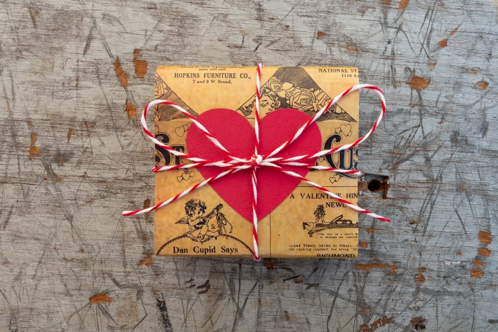 DIY Soap Wrapped in Vintage Newspaper for Valentine's Day