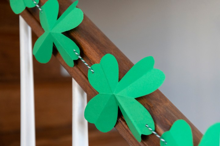 How to Make a Paper Shamrock Garland