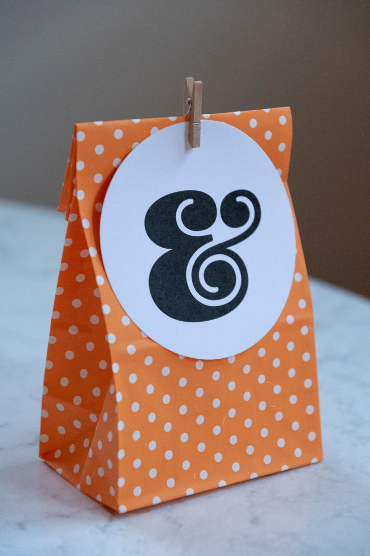 Free Printable Ampersand Gift Tags