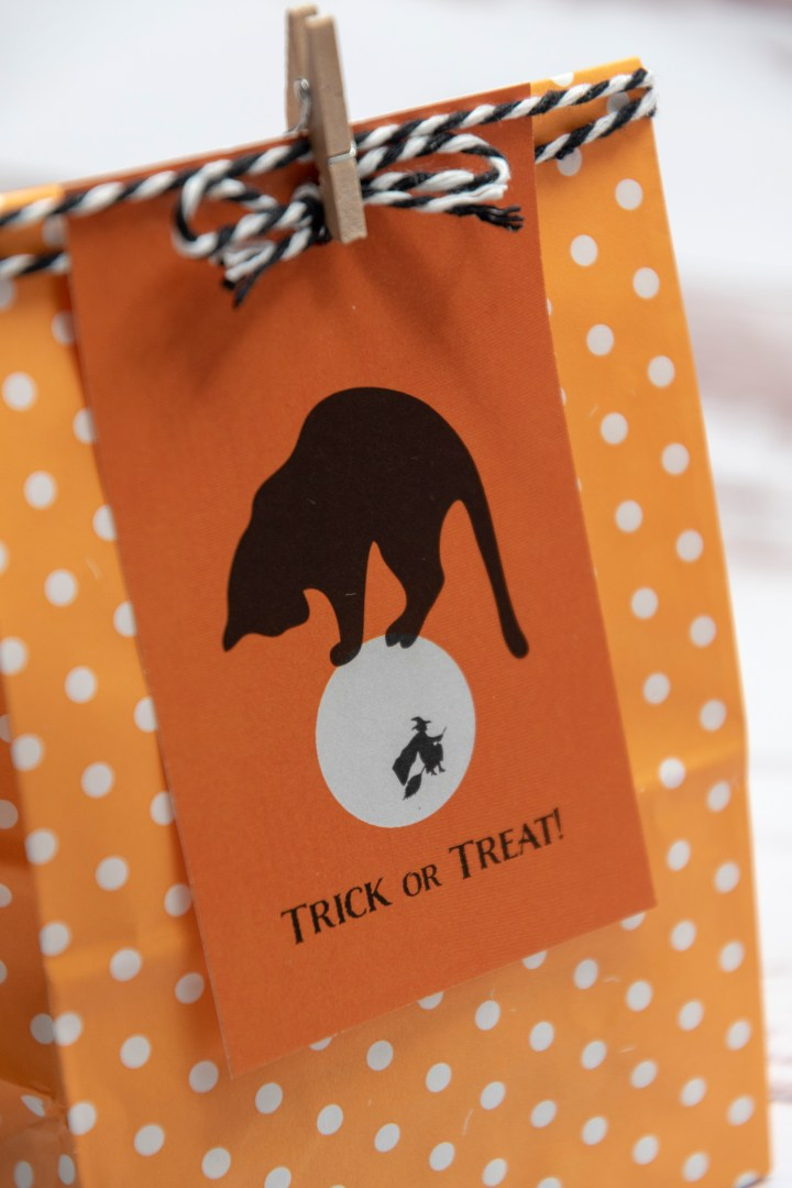 Retro Halloween Free Printable Gift Tags