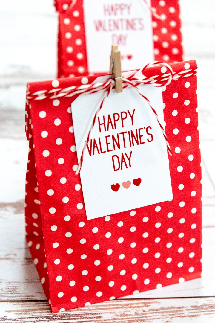 Free Valentine's Day Printables and gift wrapping for friends