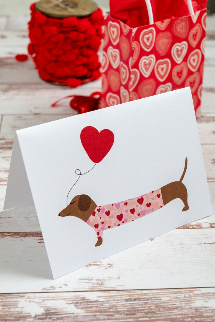 Free Printable DIY Dachshund Holding a Balloon Valentine Day Card
