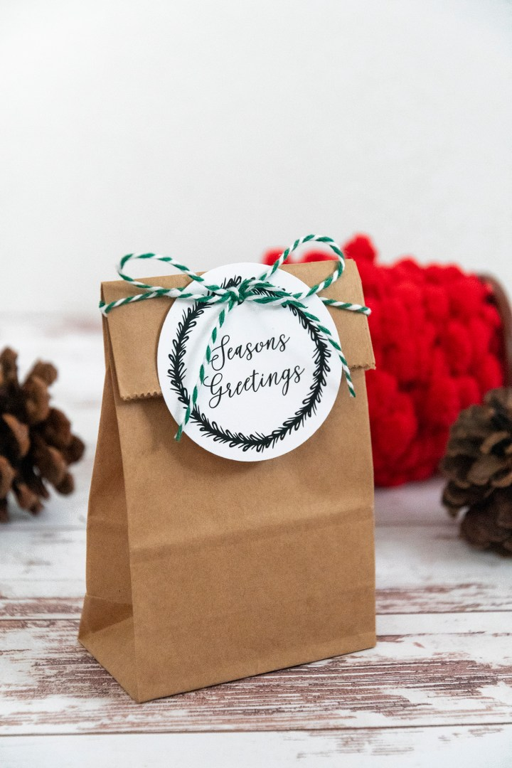 Season's Greetings Free Printable Gift Tags