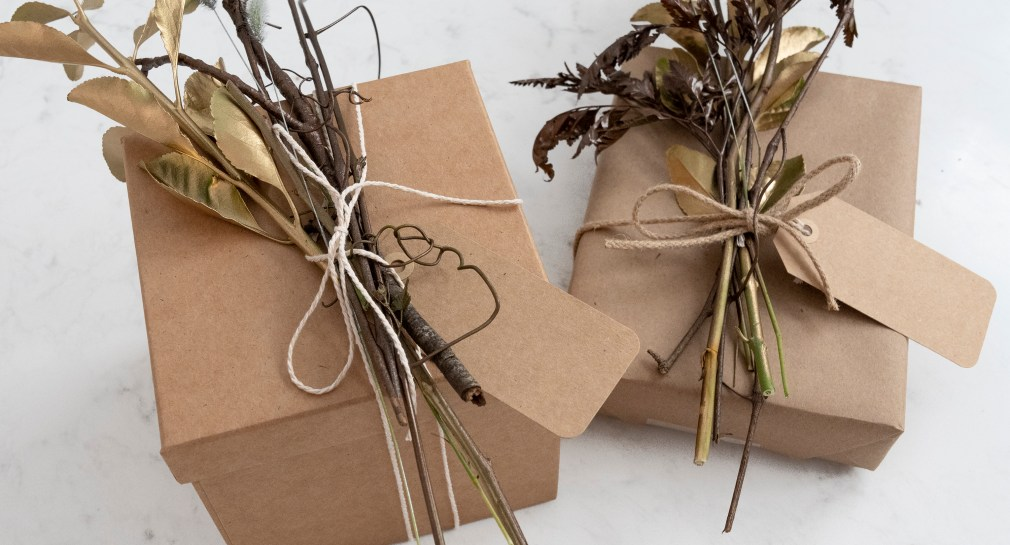 Creative Fall Gift Wrapping