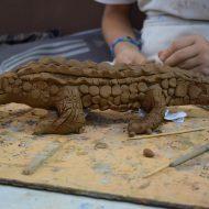 Урок по керамика, глинена фигурка.