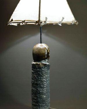 Лампа, керамична пластика, скулптура, произведение на изкуството,служи за декорация и естетическо аранжиране на различни пространства.