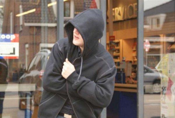 Херсонка заплатит штраф за сына, укравшего вафли