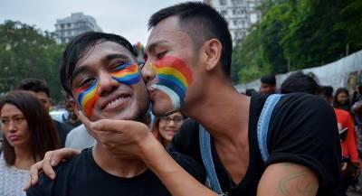 Индия отменила уголовное наказание за однополые связи