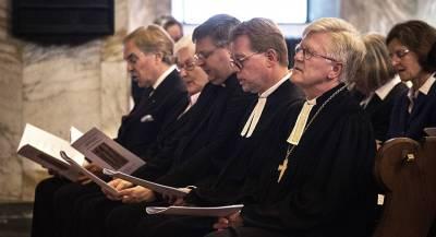 Ватикан поддержал гомосексуалов