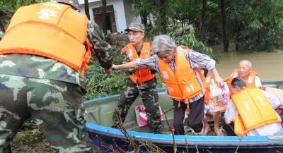 Десятки тысяч человек эвакуированы в Китае