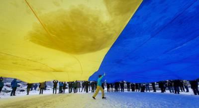 Галерист попал в чёрный список РФ вместо тёзки-радикала
