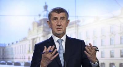 Премьер Чехии позвал на родину опального писателя