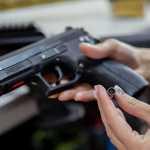 На РФ с голодухи участились нападения на полицию – избивают и отбирают оружие