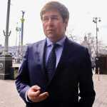 Адвокат Новіков назвав «режисера» кримінального переслідування Порошенка