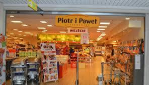 Biedronka przejmuje sklepy Piotr i Paweł