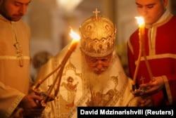Грузинський патріарх Ілія II очолює опівночі Різдвяну службу в соборі Святої Трійці в Тбілісі, 2018 рік