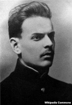 Письменник Костянтин Паустовський. Світлина зроблена близько 1915 року