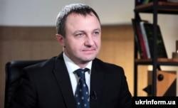 Мовний омбудсмен України Тарас Кремінь