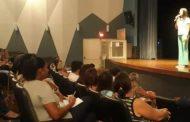 Prefeitura de Caraguatatuba reúne servidores da educação em workshop no Teatro Mário Covas