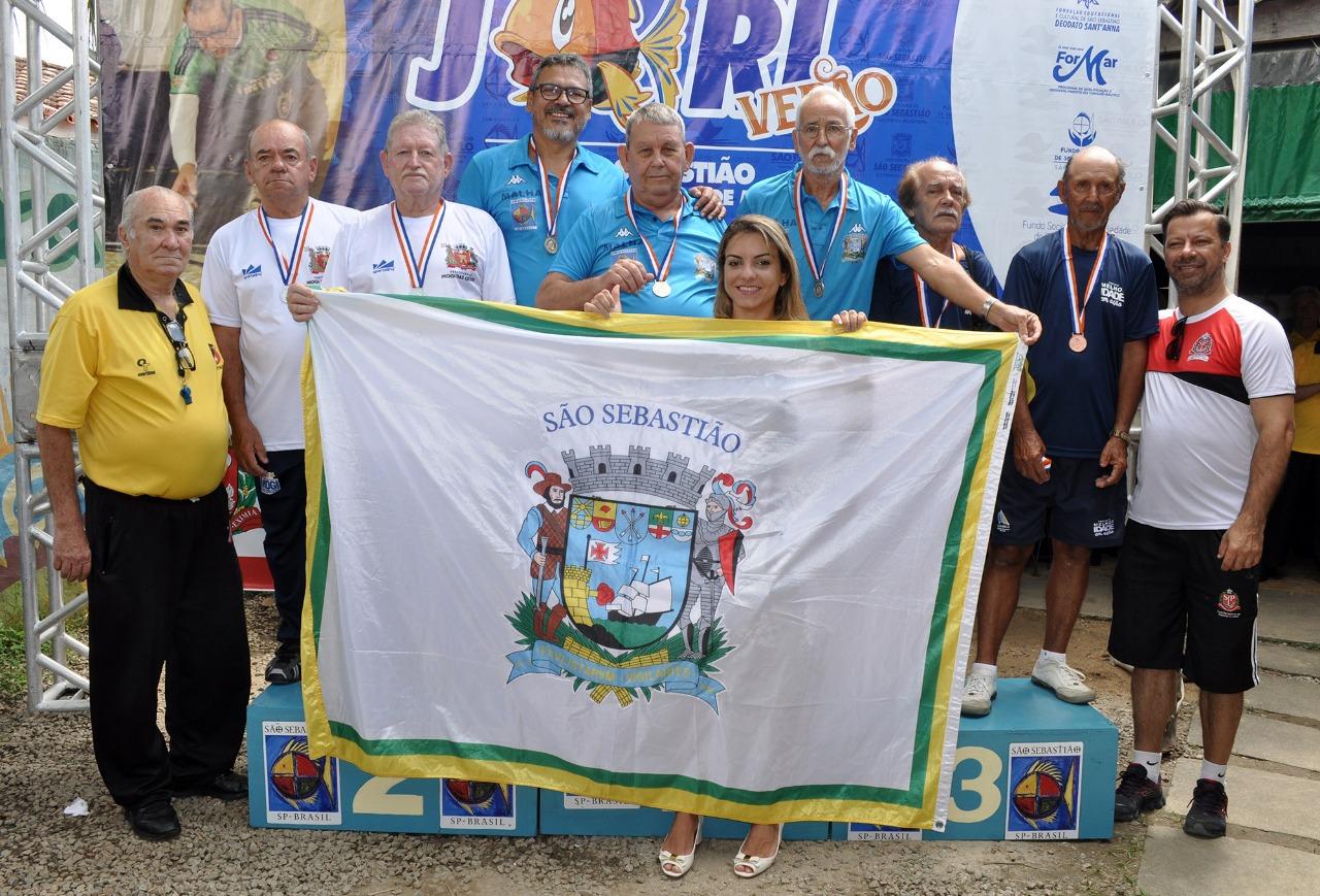 Michelli Veneziani, primeira-dama e presidente do Fundo Social, traz pela terceira vez consecutiva os Jogos Regionais dos Idosos para São Sebastião