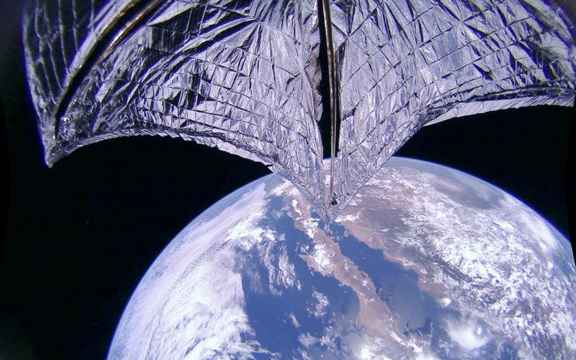 LightSail 2 – kapal angkasa pertama terbang menggunakan layar solar!