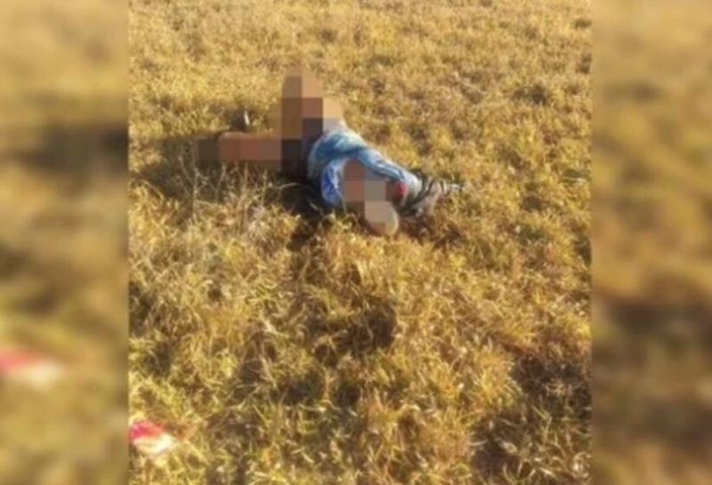 Sem couro cabeludo e pele do rosto, mulher é encontrada morta em parque