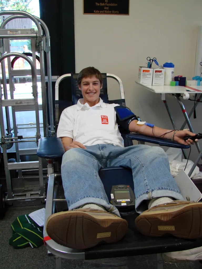 Mitchell Friesen '09 Gives Blood at the ONVO Blood Drive in 2007