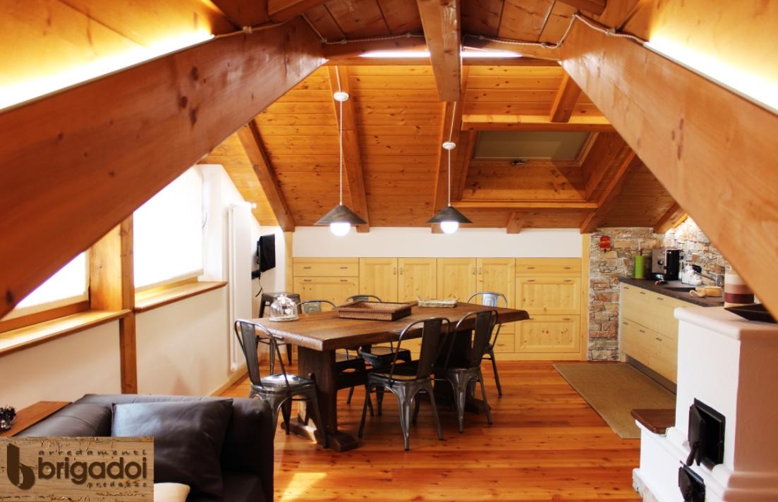 Casa paola e enrico arredamenti in trentino alto adige for Enrico esente arredamenti