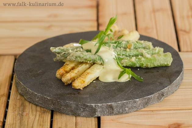 Spargel in Tempurateig