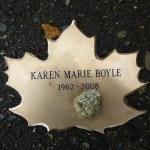 Leaf with stone