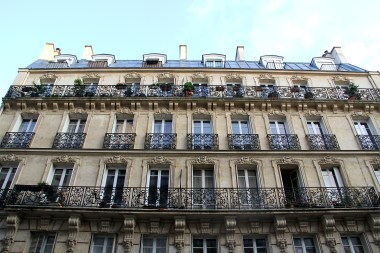 16eme arrondissement, Julie Willard, Julia Willard, Falling Off Bicycles, France travel writer,