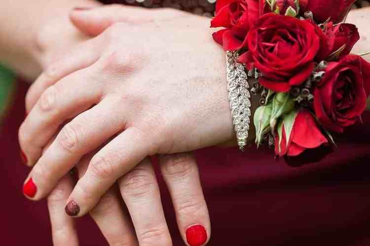 woman wearing rose bracelet
