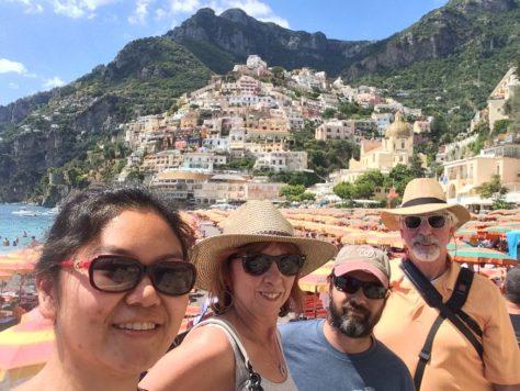 La famiglia a Positano. Foto di Kat.